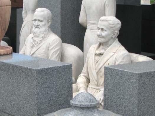 Davis Memorial, Hiawatha Kansas