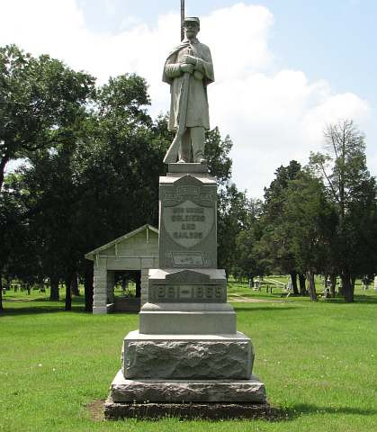 Coffeyville Civil War monument in Ellmwood Cemetery