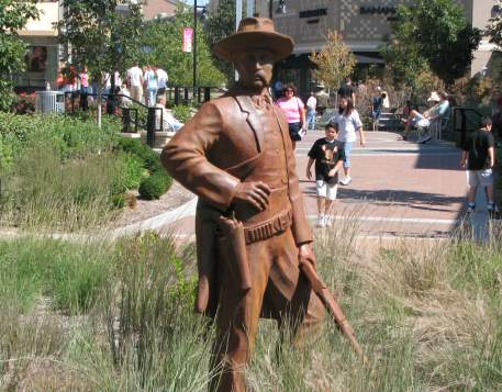 Kansas Legend Wyatt Earp - statue in Kansas City, Kansas