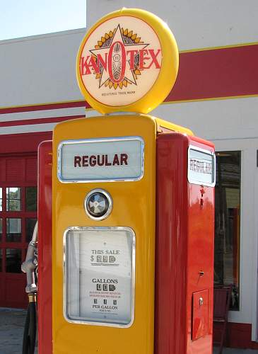 Route 66 KanOtex gasoline pump.