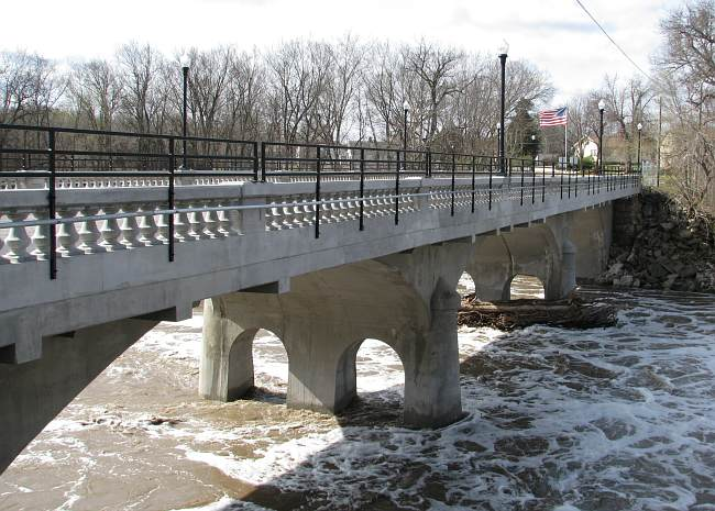 new Cootonwood Falls Bridge