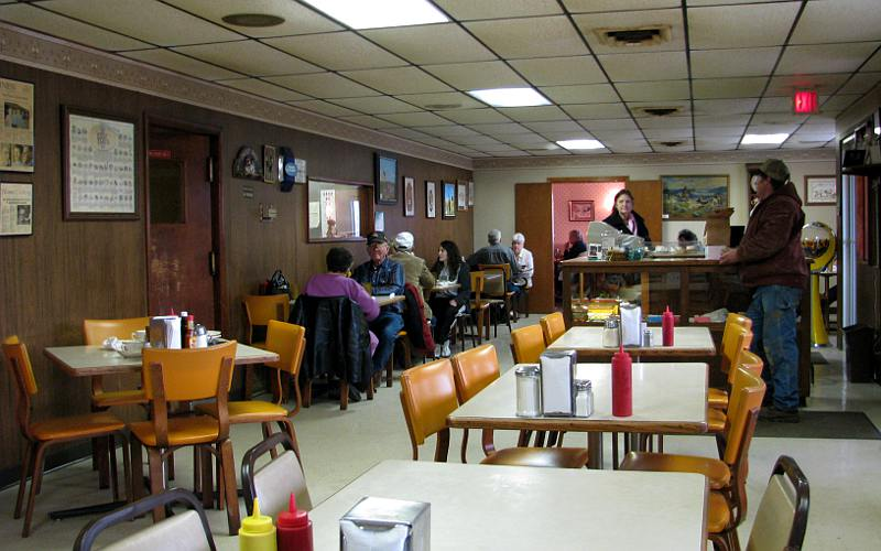 Olpe Chicken House dinning room