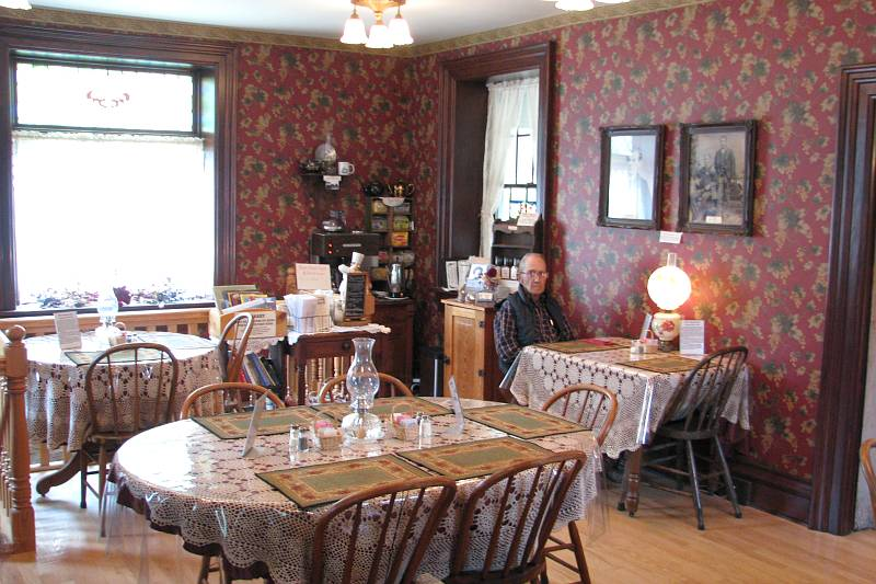 Trail Days Bakery Cafe dinning room