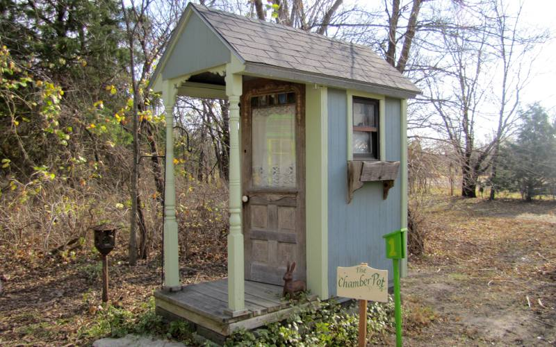 Chamber Pot - Elk Falls outhouse tour
