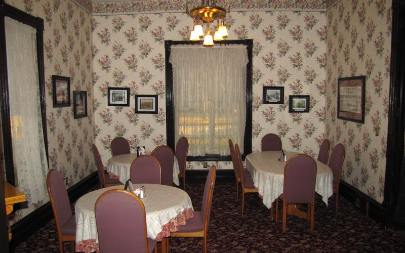 Kirby House Restaurant dinning room