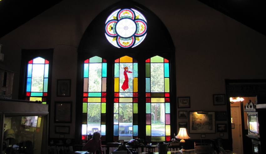 Baptist church Stained glass window -  Marion, Kansas