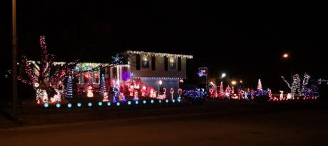 92nd Street Holiday light display - Overland Park, Kansas