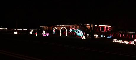 Creten Family Christmas Display - Shawnee, Kansas