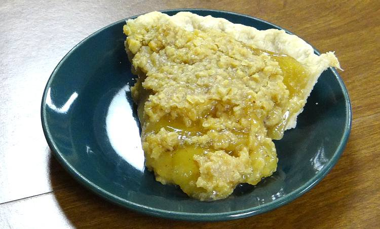 Apple crumb pie - Miracle Cafe