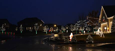 Arbor Landing Holiday Lights - Olathe, Kansas