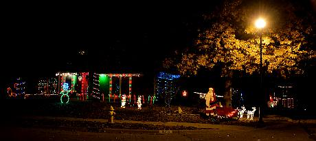 Cavendish Trail Christmas Display - Olathe, Kansas