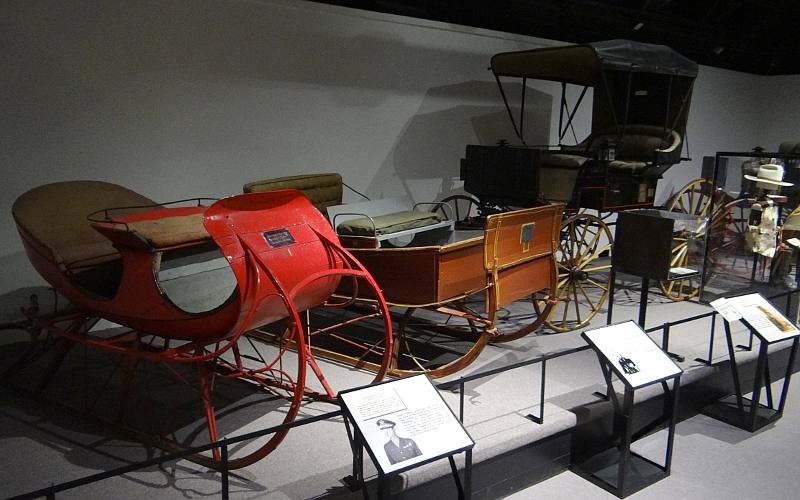 Famous sleighs and wagons - Fort Leavenworth