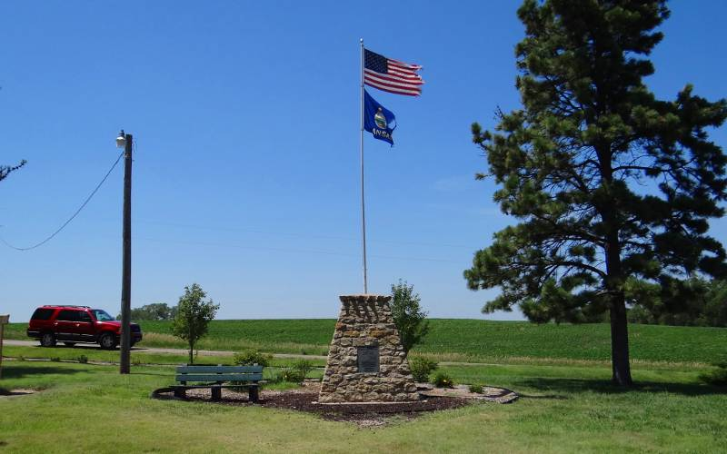 Geographic center of the united states geographical center of the united states monument sciox Choice Image