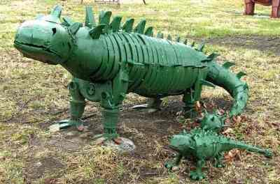 Folk art at Dinosaur Not So National Park