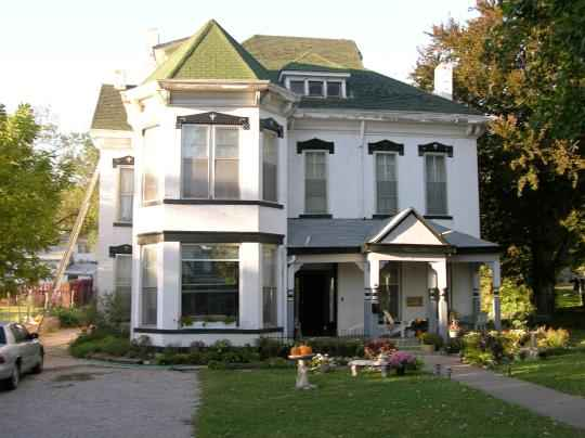 tour this haunted Atchison house