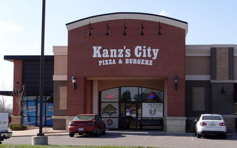 Kansas travel blog Garden city pizza