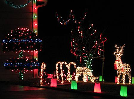lawrence kansas holiday light displays