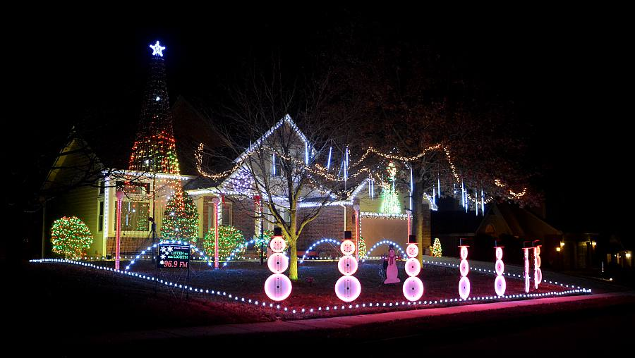 parkside christmas light show lawrence kansas