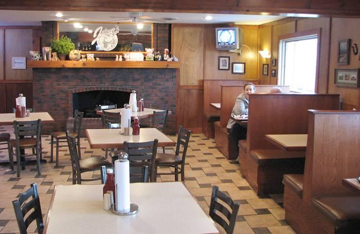 Johnny S Bbq Dinning Room