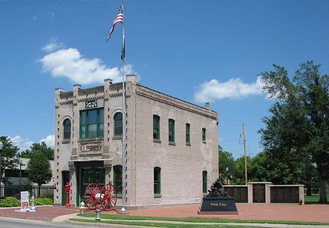 Kansas firefighters museum wichita kansas for Family motors wichita ks
